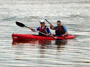 canoeing-511185_640