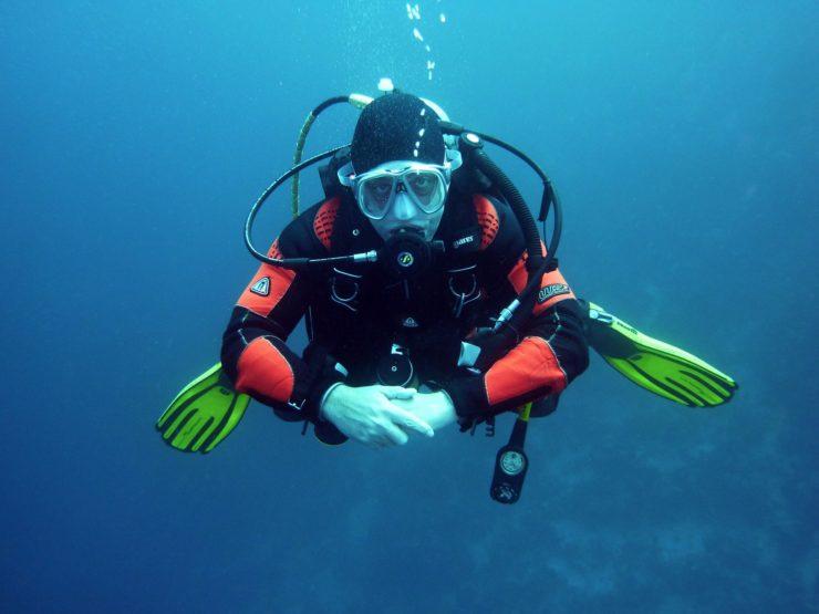 divers-668777_1920