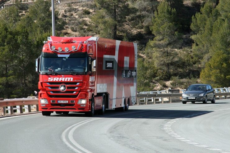 camion-1402735_1280